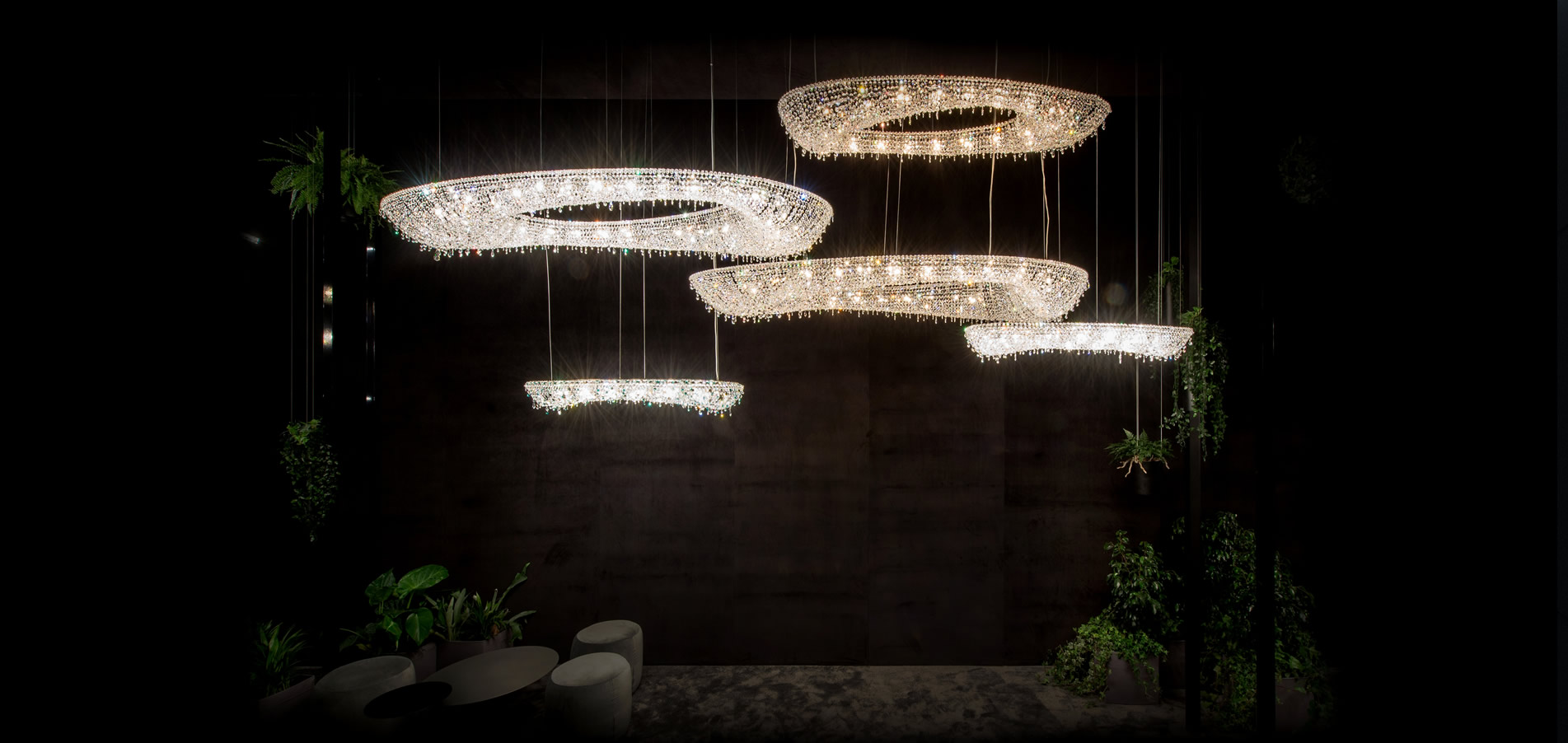 Welcome to the Manooi Universe - Crystal Chandeliers from Manooi