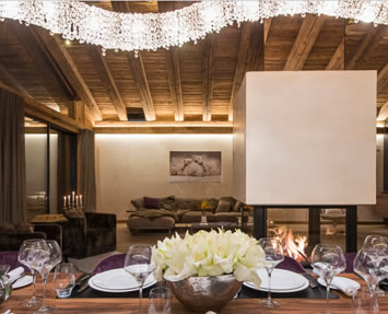 Vague 3D in un lussuoso chalet, Manooi Crystal Chandeliers